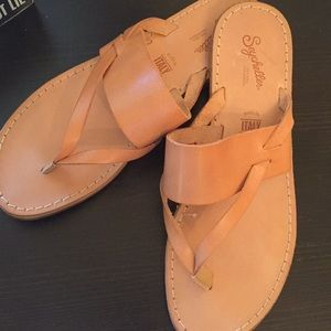 Seychelles thong sandals 8.5 new